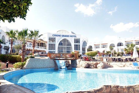Fanadek Masr | فنادق مصر | فندق الباتروس سيرين جراند